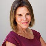 L'Expert Carrossier - Femme souriante cliente satisfaite