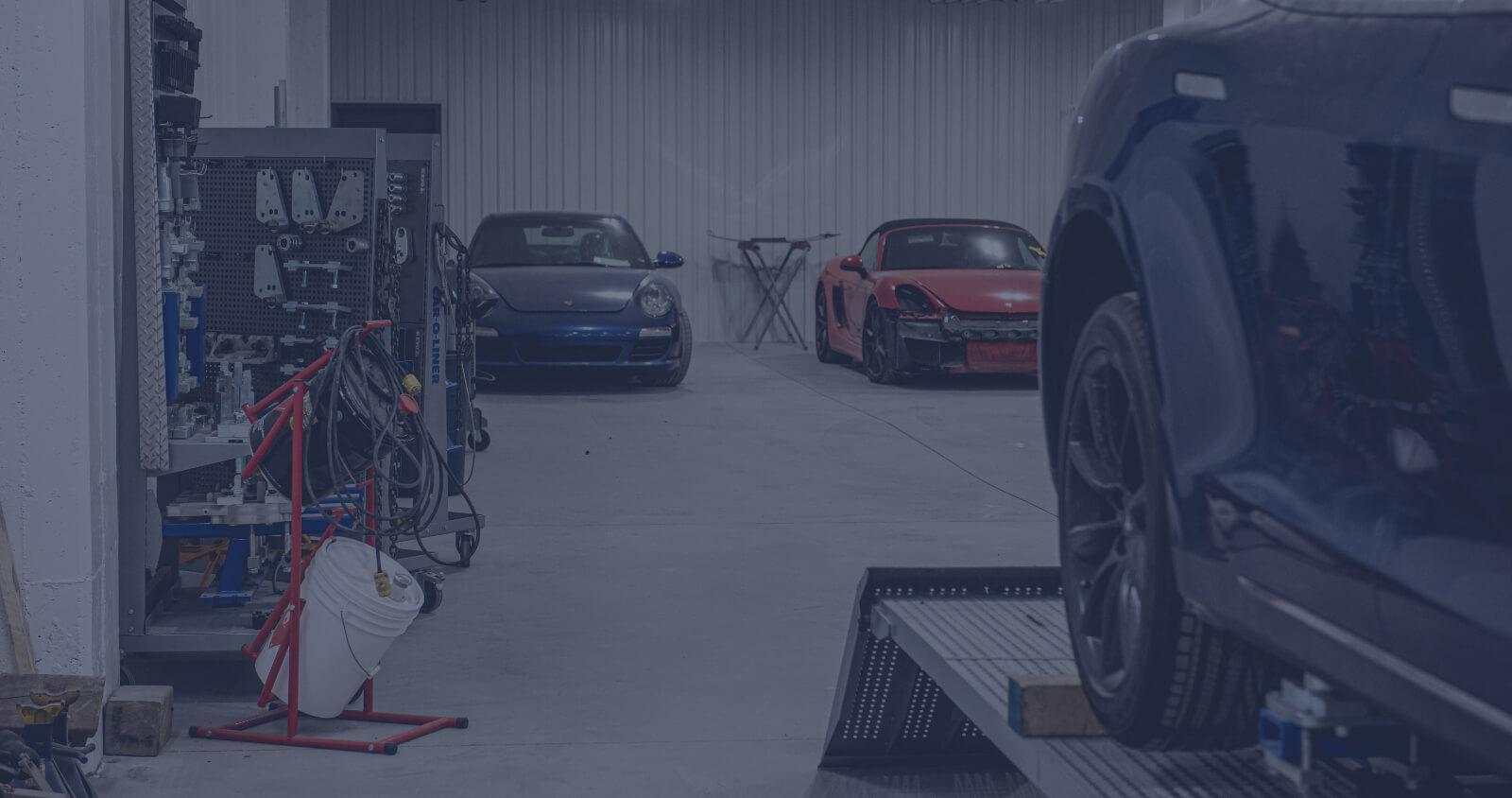 L'Expert Carrossier - Équipement Car O Liner et véhicules Ferrari en réparation