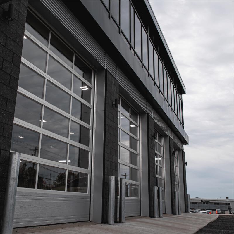 L'Expert Carrossier - Portes de garage vues de l'extérieur
