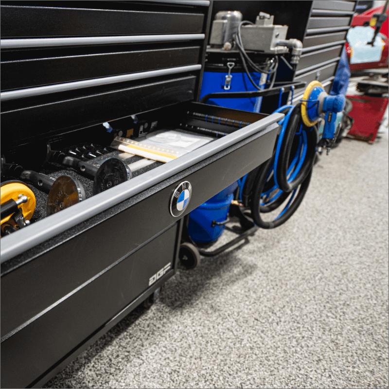 L'Expert Carrossier - Équipement pour Carrosserie BMW